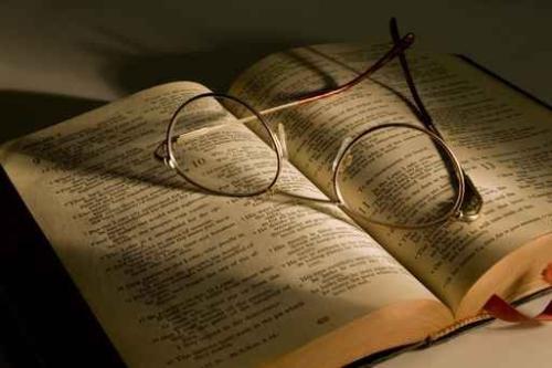 在开始书写论文前,需要做好充足的准备,这样完成的论文才能顺利的通过查重检测。